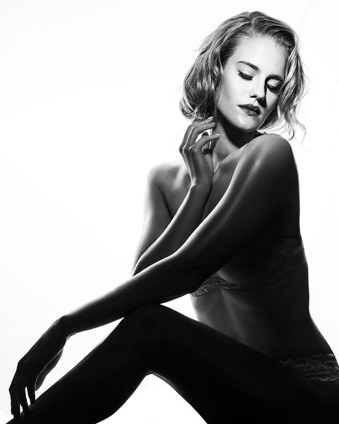 Boudoir with Lindsay Adler - High Key Silhouette