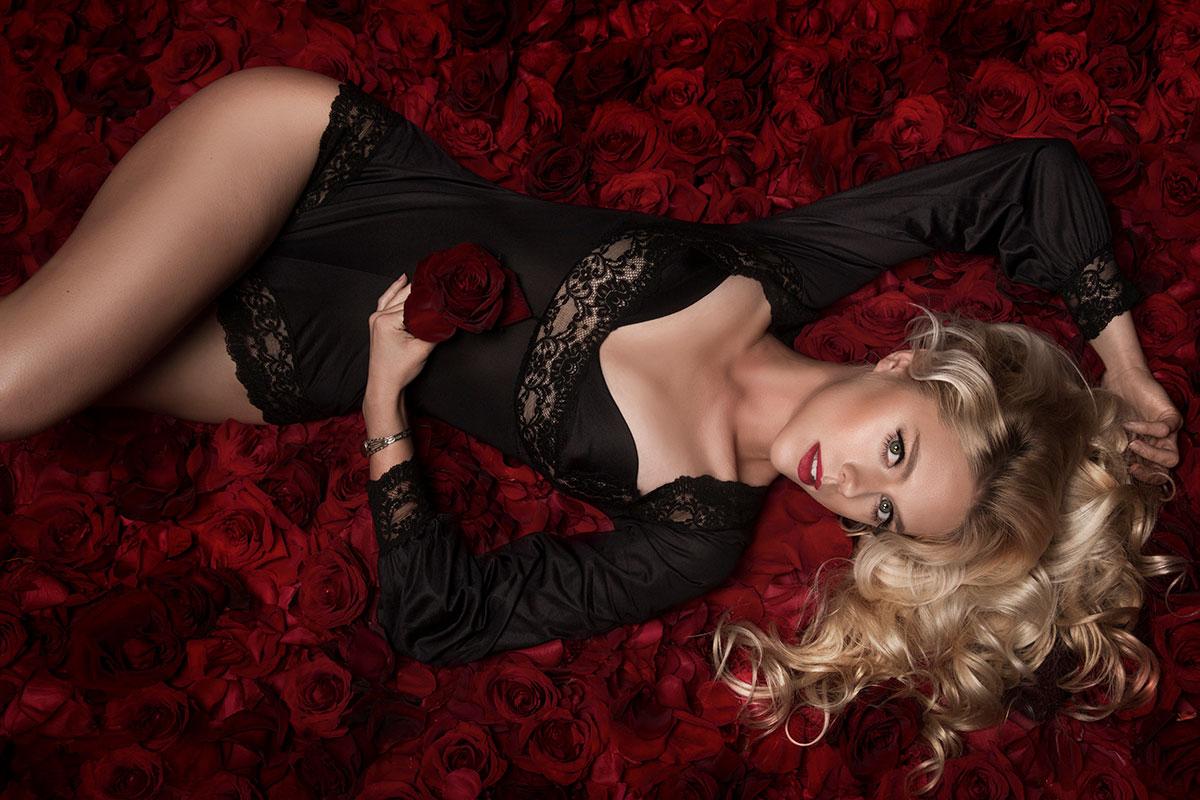 Boudoir Photography with Lindsay Adler - Roses