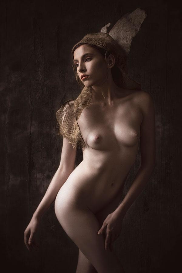 Fine Art Nude photography training - model renaissance - Lindsay Adler Photography