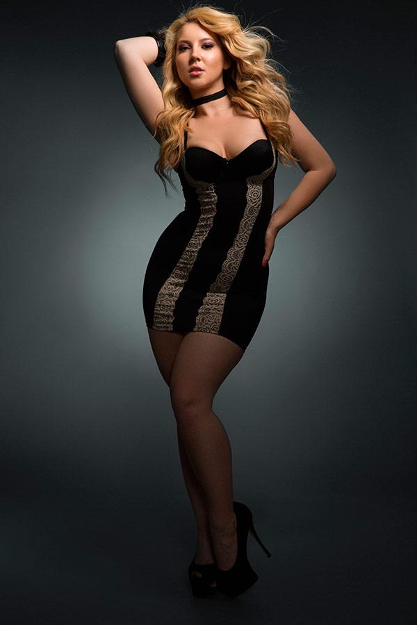 Fashion Flair Curves - Lindsay Adler Photography